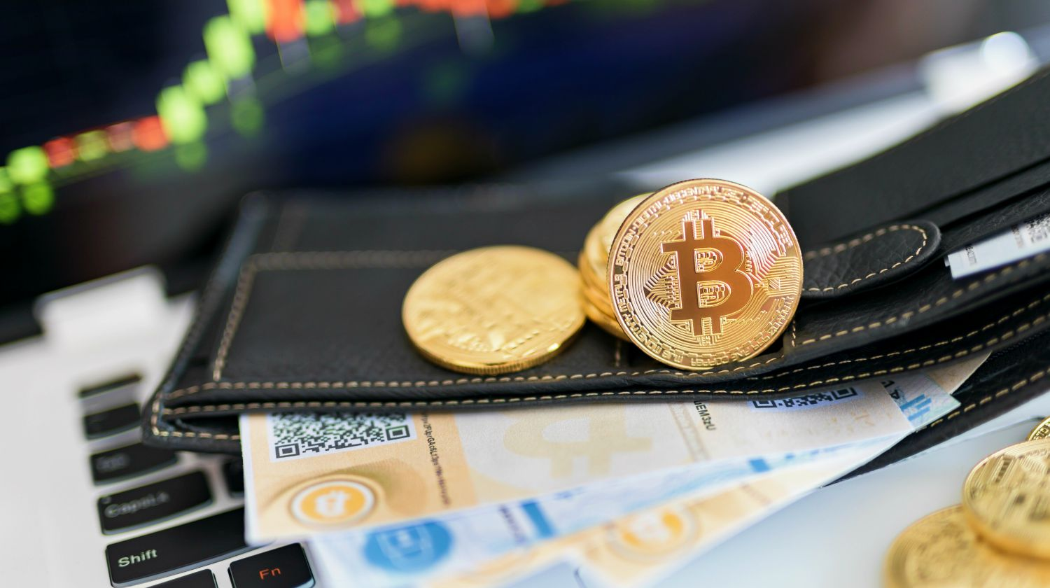 Featured   bitcoin and wallet   Bitcoin Wallet Basics: Here's What You Need To Know Send & Receive Safely   free Bitcoin wallets