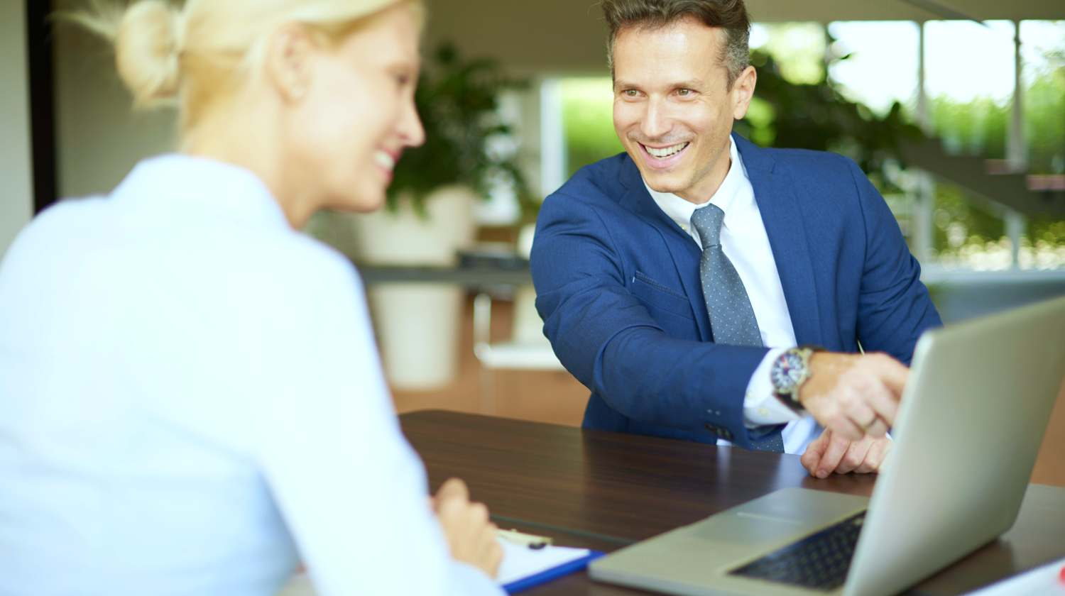 Feature | business meeting investments | Reasons Why You Should Get A Financial Advisor | what do financial advisors do